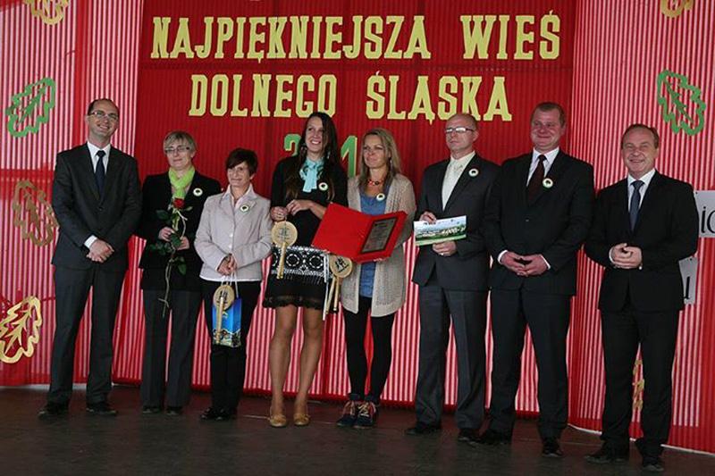 18. Odbiór I nagordy w konkursie Piękna WIeś Dolnośląska 2013 - kat. Najlepszy Start w Odnowie Wsi